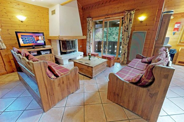 13-901 - Self-catered Apartment - Meribel Village (2)