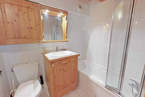 13-901 - Self-catered Apartment - Meribel Village (8)